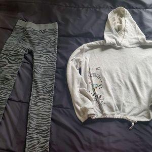 girl 14 old navy hoodie and leggings